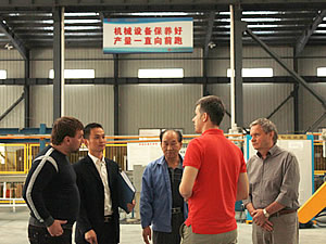 俄罗斯客户到安邦集团参观考察电伴热工厂和电地暖生产线